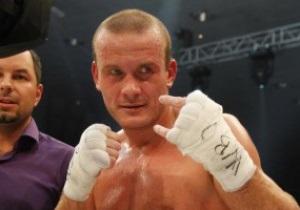 Большой бокс в Одессе. Узелков с трудом добывает победу