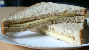 У літаках до Америки подавали сендвічі з голками