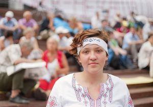 Влада забороняє приватним швидким виїжджати до Українського дому - Фронт змін