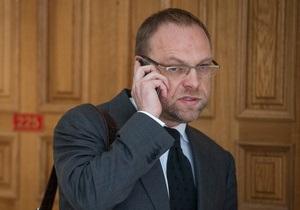 Власенко: Спецслужби розробляють спецоперацію з вивезення Тимошенко назад до колонії
