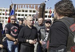 Екс-глава МЗС назвав 4-годинне запізнення Путіна до Януковича дипломатичним невіглаством і ляпасом