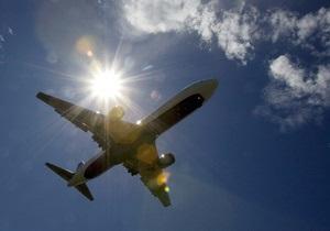 Істерика стюардеси спровокувала паніку на борту літака