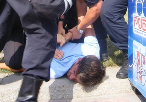 Нардепи звернулися до ГПУ щодо розгону протестувальників проти мовного закону в Черкасах