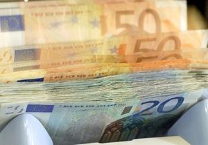 Греки за місяць зняли рекордну кількість грошей з депозитів