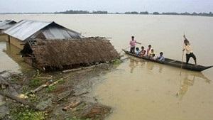 Повінь в Індії змусила залишити свої домівки майже мільйон людей