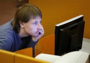 Ринки: Нервовості додають довгі вихідні та нестабільність зовнішніх майданчиків