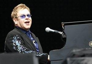 На Корреспондент.net українці можуть проголосувати за свій плей-ліст концерту Елтона Джона та Queen