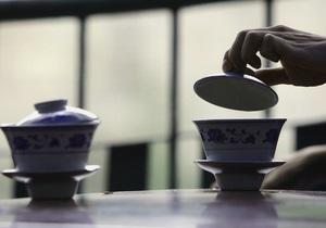 АМКУ порекомендував Укрзалізниці виключити чай з вартості квитка