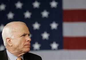 Маккейн закликає провести операцію у Сирії за лівійським сценарієм