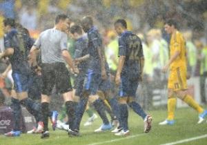 Фотогалерея: Погодные коррективы. Матч Украина – Франция остановлен из-за дождя