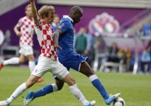Хорватские болельщики во время матча с Италией бросали бананы в Балотелли
