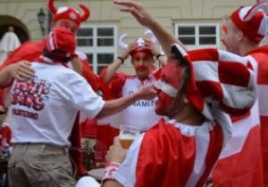 Фотогалерея: Красное море. Львов заполонили фанаты из Португалии и Дании