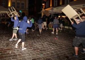 В центре Познани произошла массовая драка, полиция задержала более 10 человек