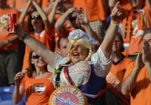 Фотогалерея: Цвет нации. Европейские фанаты наводнили Львов и Харьков