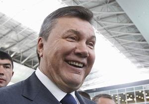 Янукович має намір запросити Меркель на фінал Євро-2012