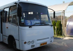 Ближче до народу. Віце-президент Таврії соромиться клубного автобуса