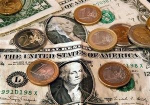 Гривня продовжила різкий обвал на міжбанку