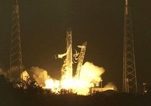 Перший приватний космічний корабель вирушив до МКС