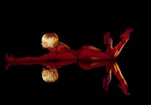 Танцовщицы популярнейшего в мире кабаре объявили забастовку