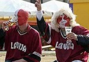 Вболівальники збірної Латвії побилися з охоронцями парома Стокгольм - Рига