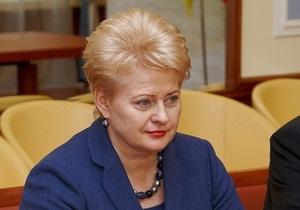 Президент Литви у Харкові зустрілася з Добкіним і поїхала до Тимошенко