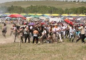 Під час перегонів у Криму кінь врізався в натовп людей
