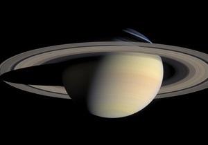 Один із супутників Сатурна є мертвим зародком планети - вчені