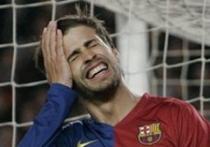 Злой рок. Защитник Барселоны попал в больницу прямо с футбольного поля