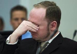 Брейвік перепросив за вбивство випадкових перехожих