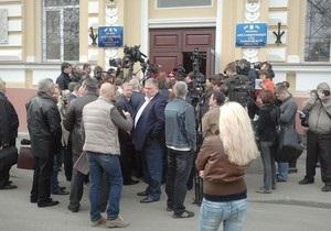 Прокурор: Тимошенко витрачала на розкішне життя гроші з картки іноземної компанії