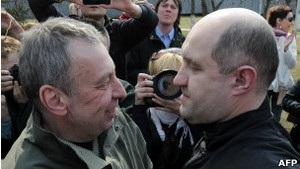 ВВС Україна: Опоненти Лукашенка чекають на звільнення із тюрем інших політв язнів