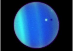 Космічний телескоп Хаббл вперше з 1980-х років зафіксував блимаюче полярне сяйво Урана