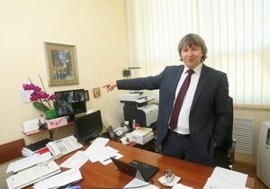 Корреспондент проаналізував разючу відмінність роботи приватних компаній і держсектору України