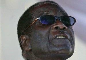 Влада Зімбабве спростувала повідомлення про смертельну хворобу Мугабе