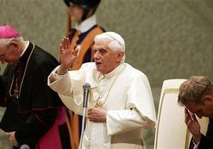 Папа Римський менше подорожуватиме, щоб поберегти сили