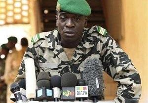 У Малі відновили дію конституції
