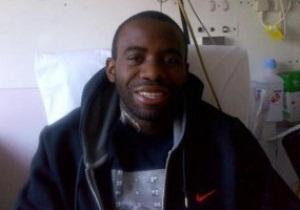 Гравець Болтона, який переніс серцевий напад, подякував за підтримку фотографією з лікарні