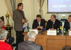 Фирташ - тренеру Альтману и пресс-атташе Таврии: Всё, закрыли рот