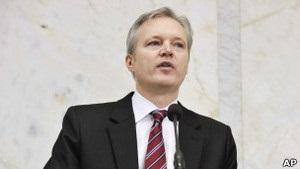 Міністр оборони Швеції подав у відставку через скандал