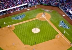 Американский бейсбольный покупают за рекордные 2 млрд долларов