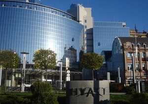 DW: Дорогі українські готелі: вершки зняв партнер УЄФА?