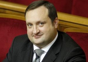 Арбузов запевнив, що на курсову політику НБУ виплати вкладникам Ощадбанку СРСР не вплинуть