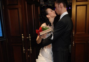 Дослідження: Зареєструвати шлюб в Україні можна за 85 копійок