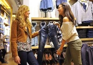 Мережу магазинів звинуватили в сексизмі через ярлики на одязі