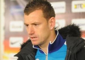 Вратарь Днепра недоволен судейством в матче с Шахтером
