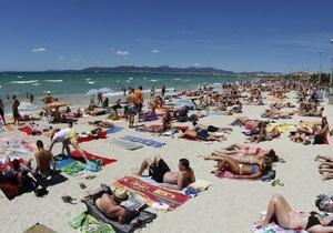 Президент підписав закон, який збільшує вимоги до надання туристичних послуг