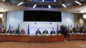 Країни ЄС підписали бюджетну угоду: Британія та Чехія утрималися