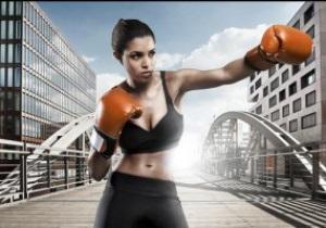 Фотогалерея: Боевые красотки. Девушки, которые объявят раунды во время боя Кличко и Мормека