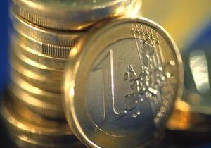 Міжбанк відкрився значним падінням котирувань євро