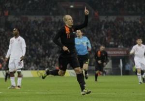 Голландія завдає Англії першої поразки на новому Гемблі